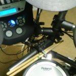 ドラムの練習をしてます